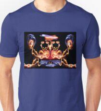 l'amour chez les aliens Unisex T-Shirt