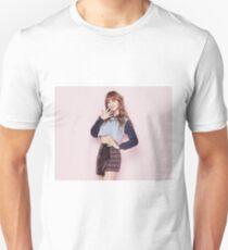 MOMO - KNOCK KNOCK Unisex T-Shirt