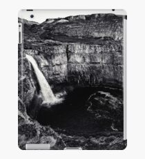 Waterfall Black and White Palouse Falls State Park Washington Nature Landscapes Wall Tapestry iPad Case/Skin