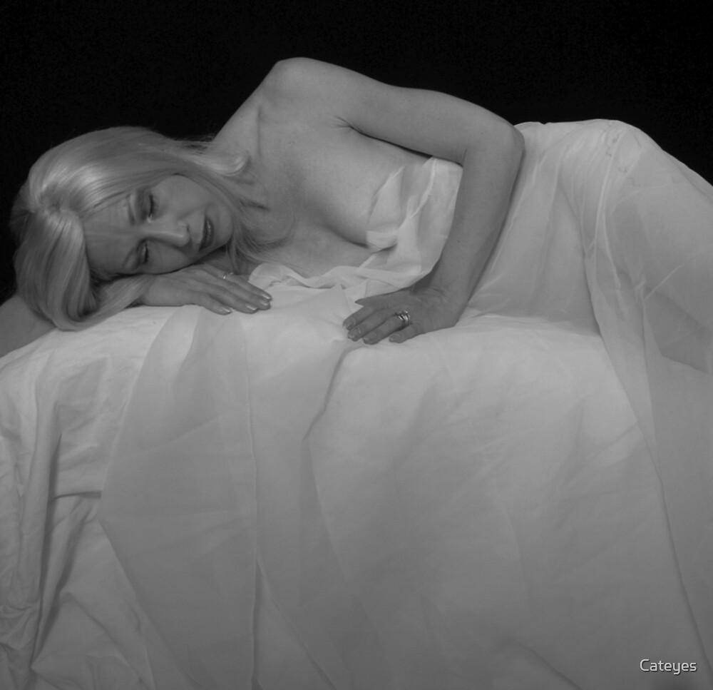 Angel Sleeping by Cateyes