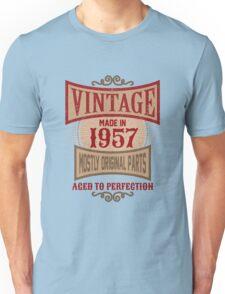 Vintage Made In 1957 Retro Birthday Gift Unisex T-Shirt