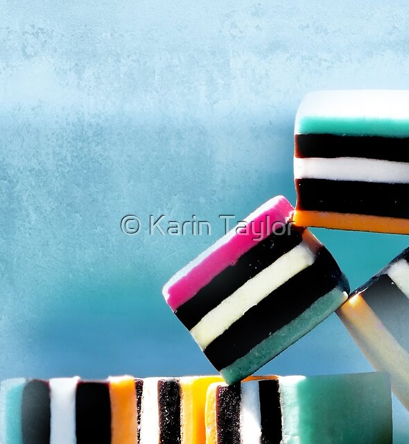 liquorice sea sculpture I by Karin Taylor