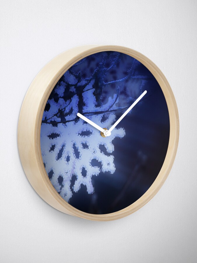 Alternate view of snowflakes in blue 3 Clock