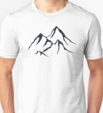 MOUNTAINS - Black and White Vintage Rustic Adventure Wanderlust Art T-Shirt