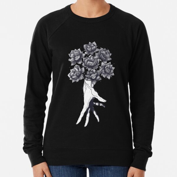 Hand with lotuses on black Sudadera ligera