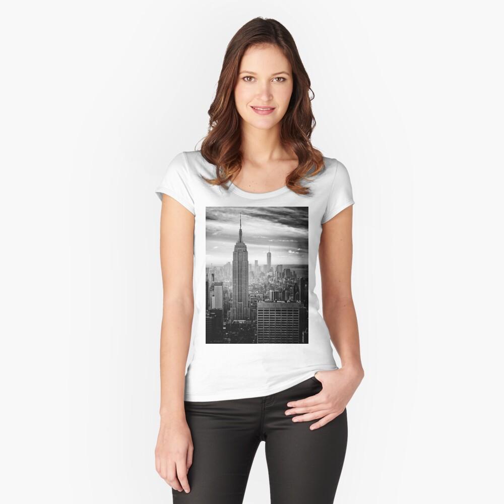 Skyline de la ciudad de Nueva York Camiseta entallada de cuello redondo