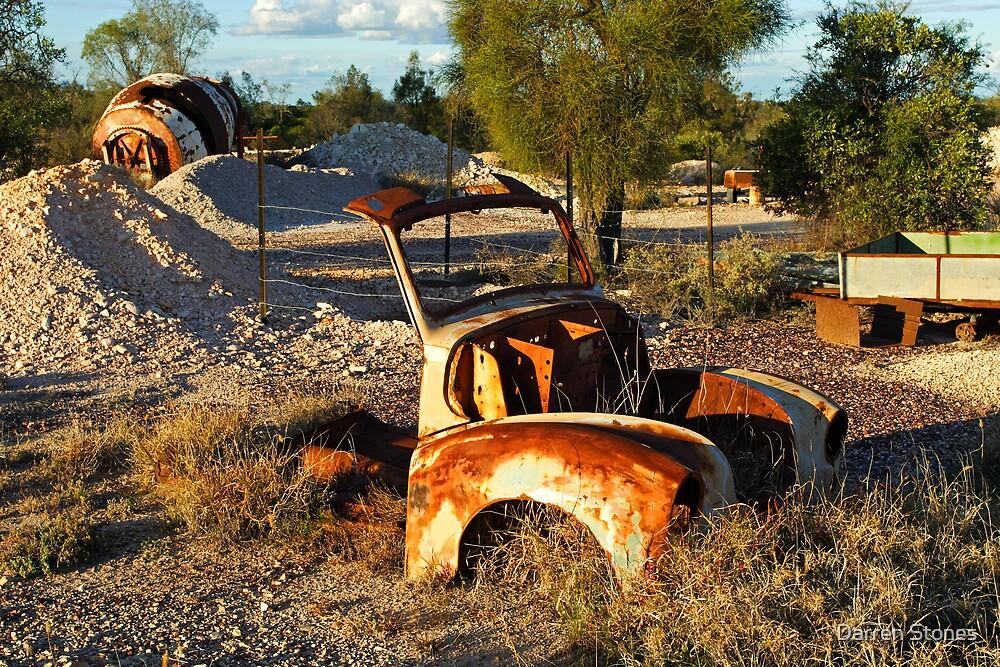 Mining area at Lightning Ridge by Darren Stones