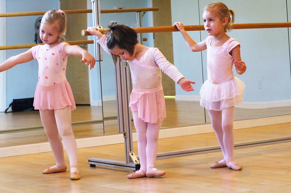 Ballet days #3 by missmunchy