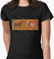 RUST HORSE CALLING MOON Women's Fitted T-Shirt