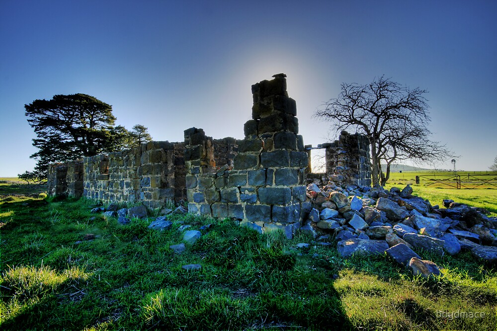 Ruins Near Clunes by boydmace