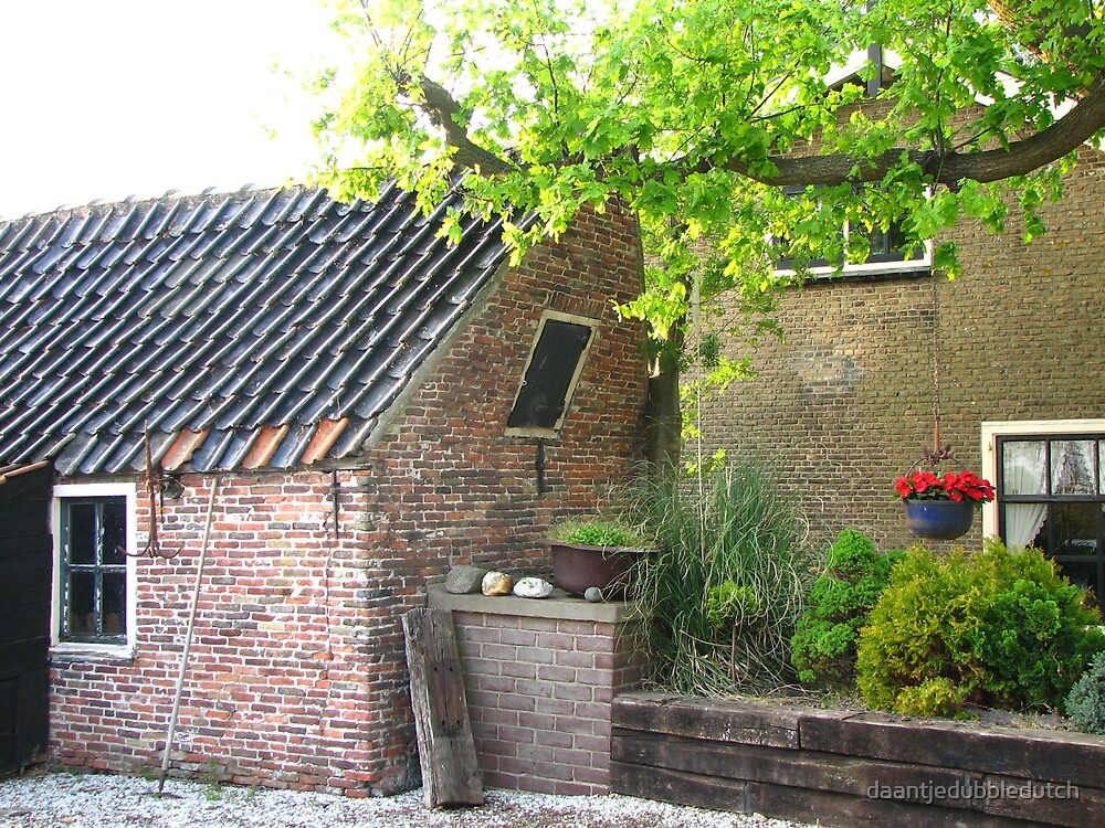 little crooked house... by daantjedubbledutch