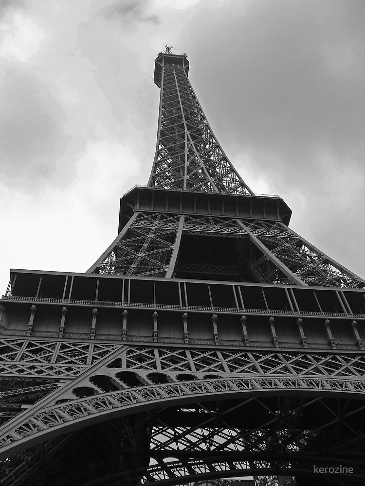Eiffel tower by kerozine