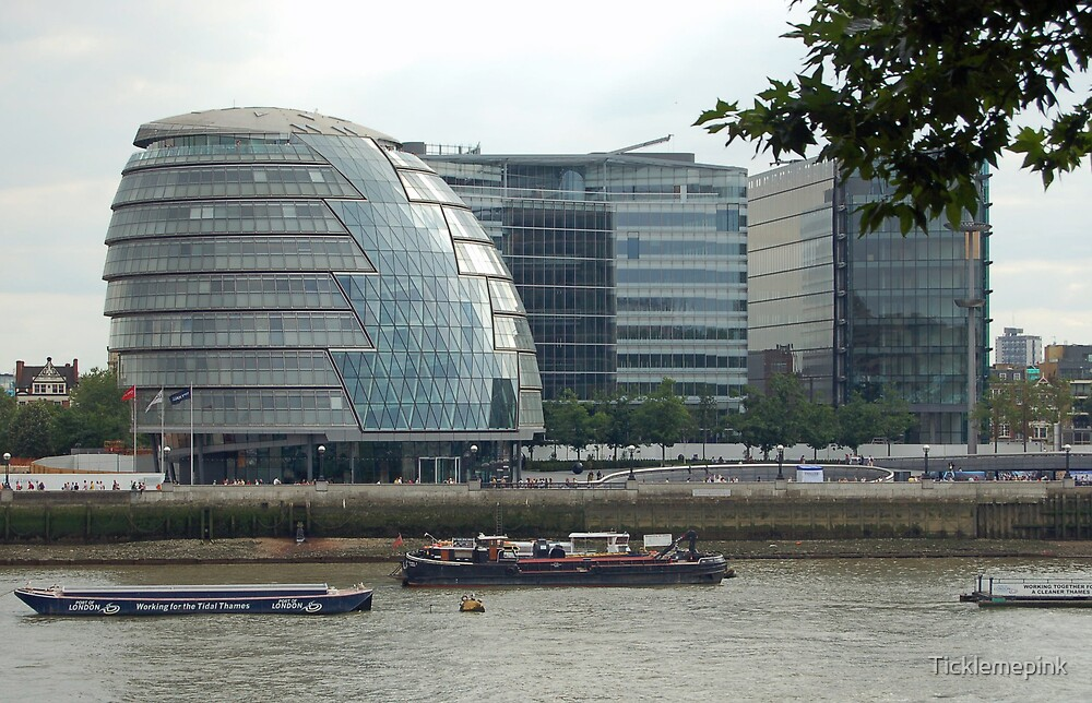 Modern building on banks of the Thames by Ticklemepink