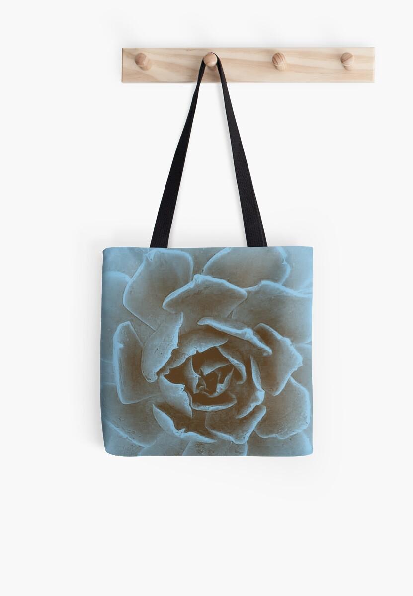 Blue Flower by michnicolas