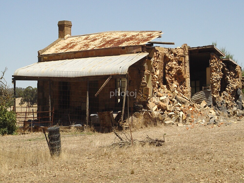 South Australia Outback Homestead by photoj