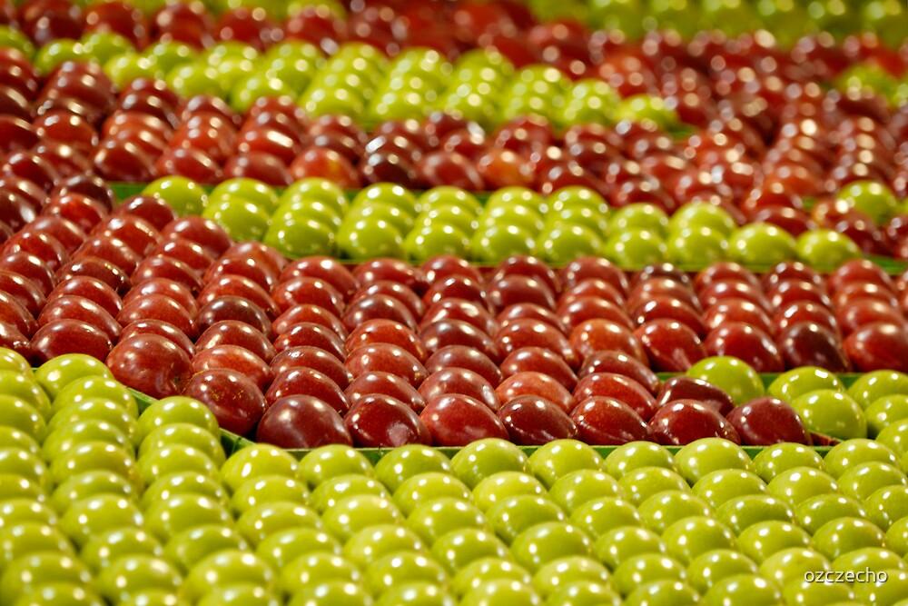 Apples anyone? by ozczecho