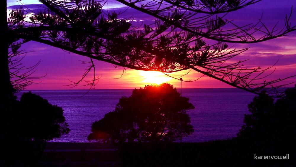 Napier Sunrise by karenvowell