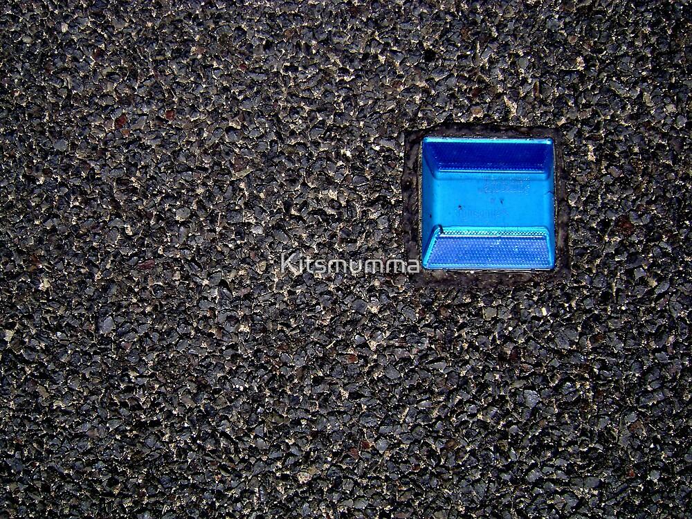 Blue Reflector by Kitsmumma