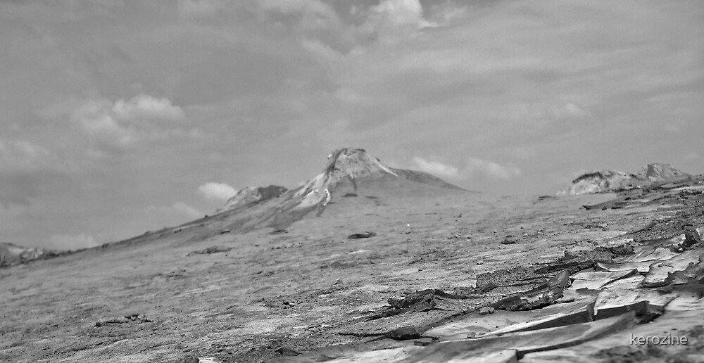 Mud Volcano  by kerozine