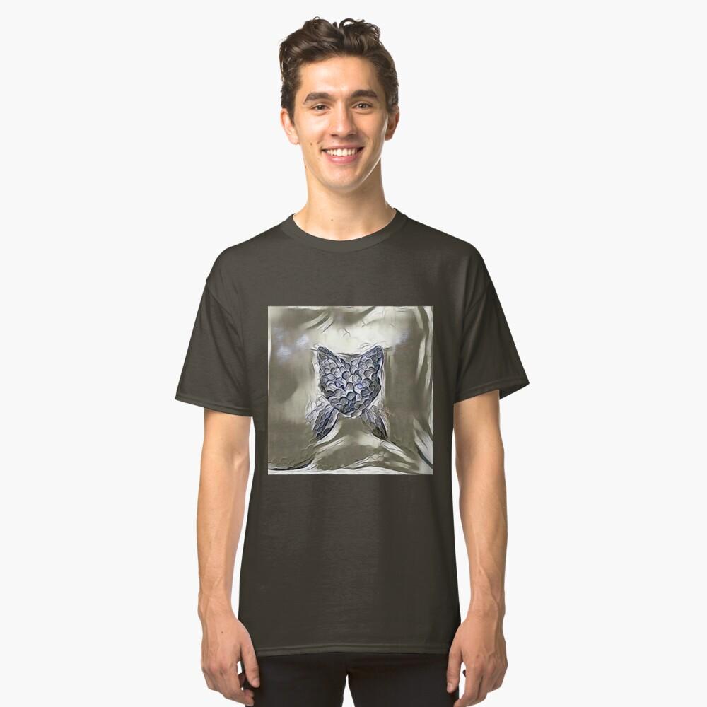 Ninja cat hiding in silver Classic T-Shirt