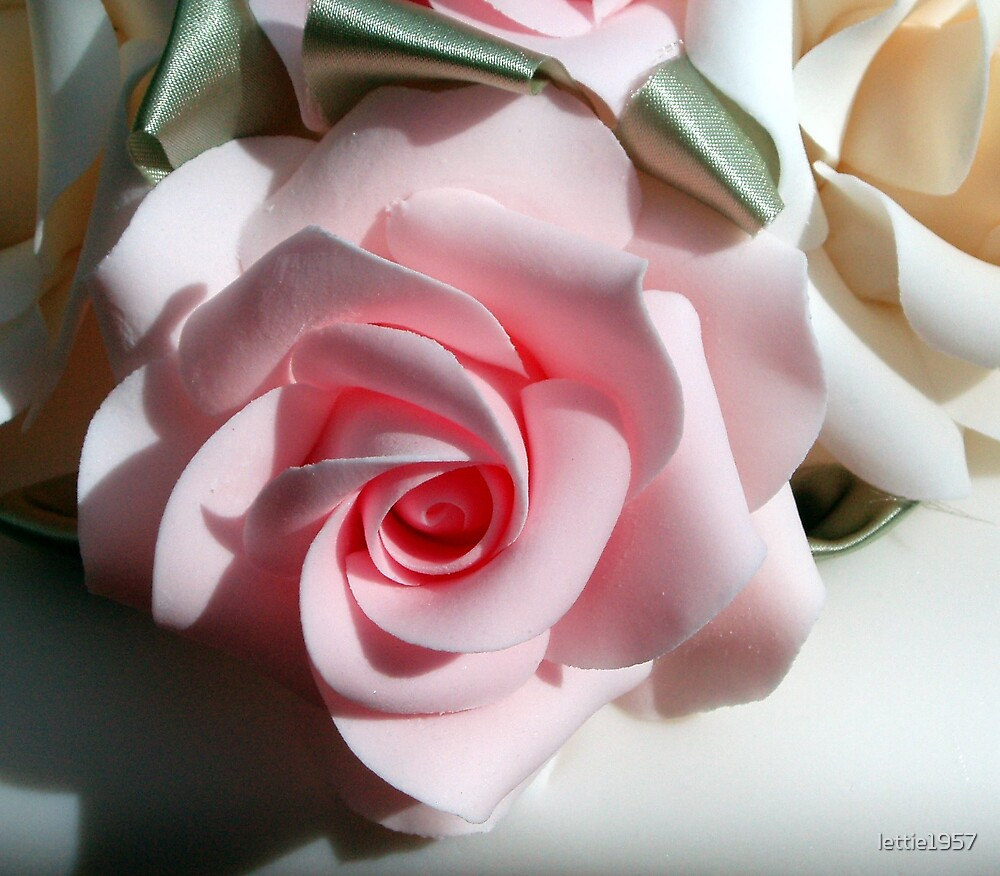 Pink Rose Flower on a wedding cake by lettie1957
