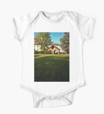The house in the park One Piece - Short Sleeve
