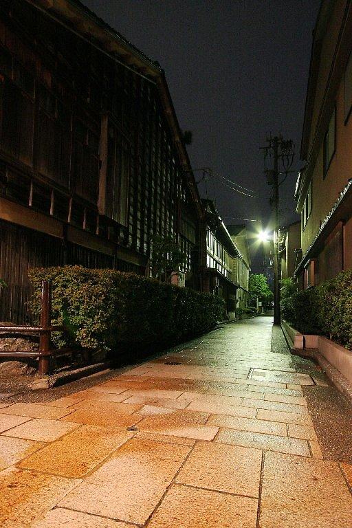 Kanazawa Nishi Chaya District - Before daybreak  by Trishy