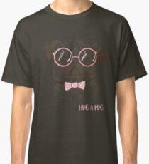 funny fashionable pug Classic T-Shirt