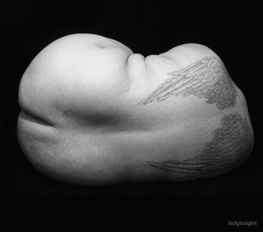 curled by ladytwiglet