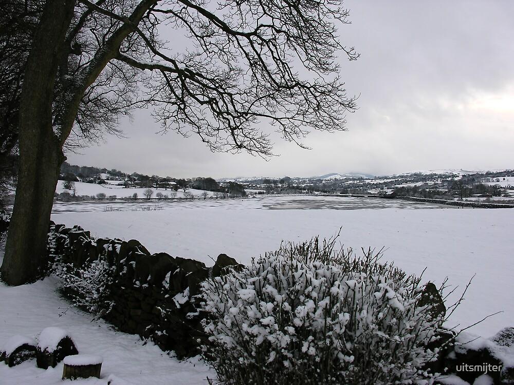 Foulridge Reservoir in deep Winter by uitsmijter