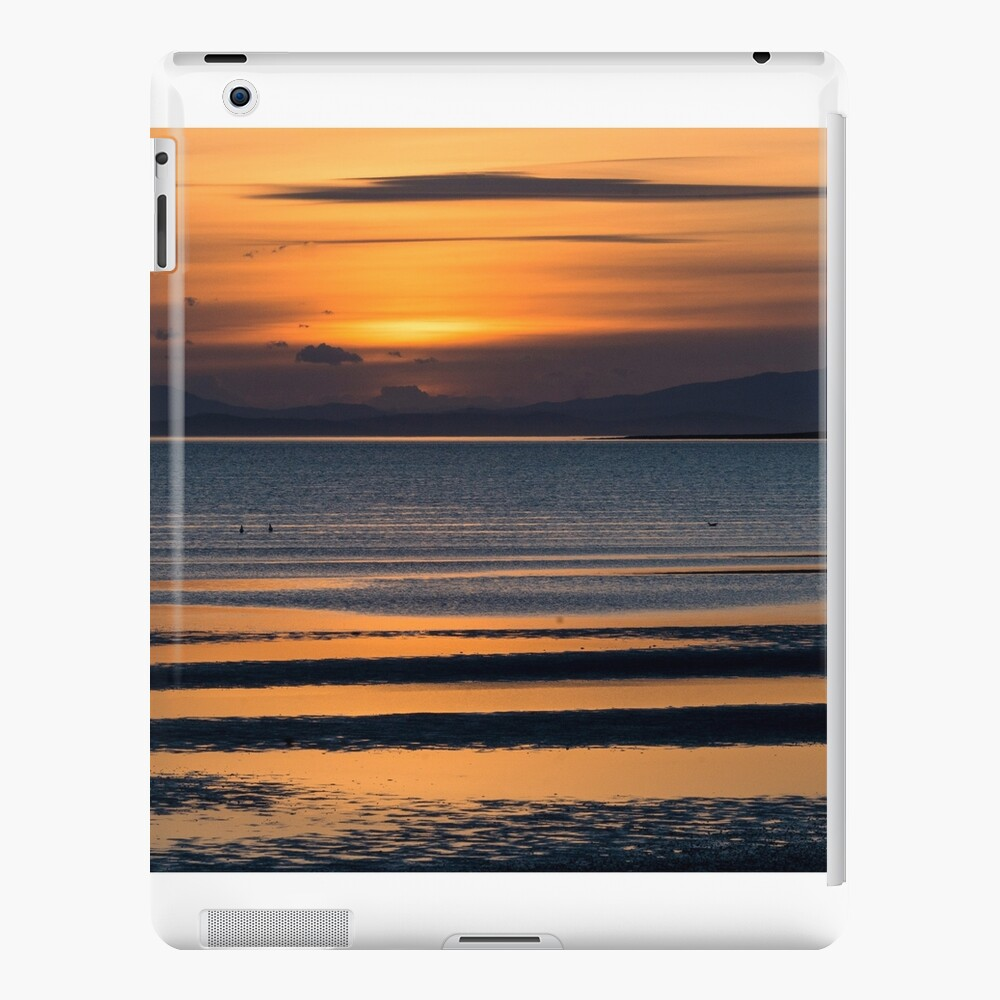 Low tide sunset Funda y vinilo para iPad