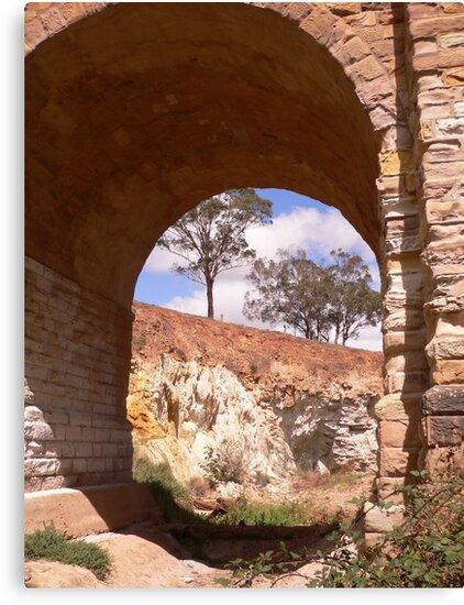 Through the djerriwarrh arch by Anne van Alkemade