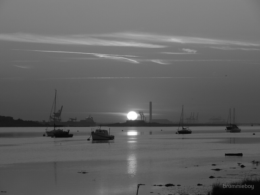 B & W Sunrise by brummieboy