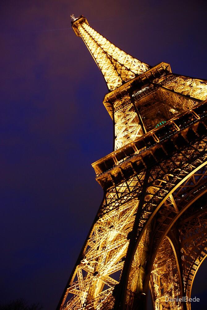 Eiffel Tower by DanielBede