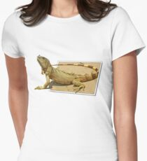 Out for a walk Women's Fitted T-Shirt