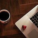 MacBook Luv by twinnieE