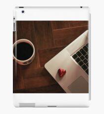 MacBook Luv iPad Case/Skin