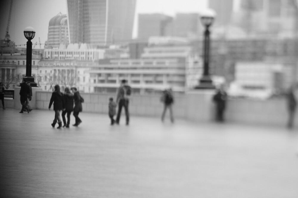 free lensing by Aaron  Wahab