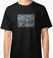 B/W mosaic water lilly Classic T-Shirt