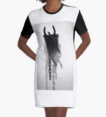 war art Graphic T-Shirt Dress