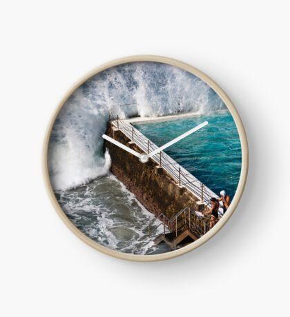 Bondi Beach Splash Clock