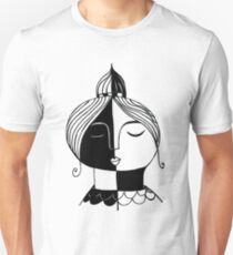 there are more colors than black and white: black and white grafic style pendrawing of a fierce lady with a small crown, portrait T-Shirt
