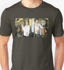 DOS MARIACHIS Unisex T-Shirt