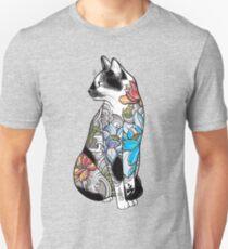 Katze in Lotus Tattoo Unisex T-Shirt