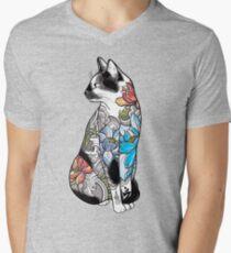 Camiseta de cuello en V Gato en Lotus Tattoo