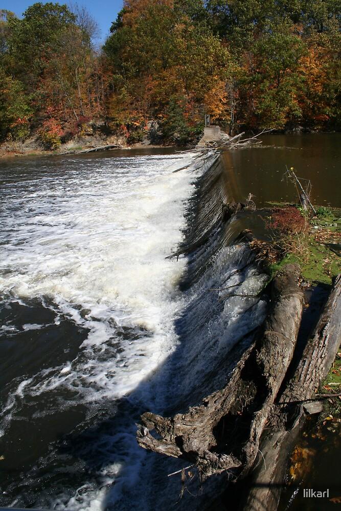 Waterfall in Fall... by lilkarl