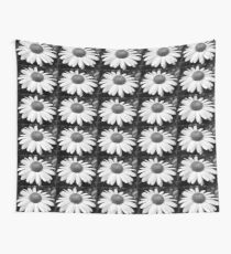 daisy in black and white Wall Tapestry
