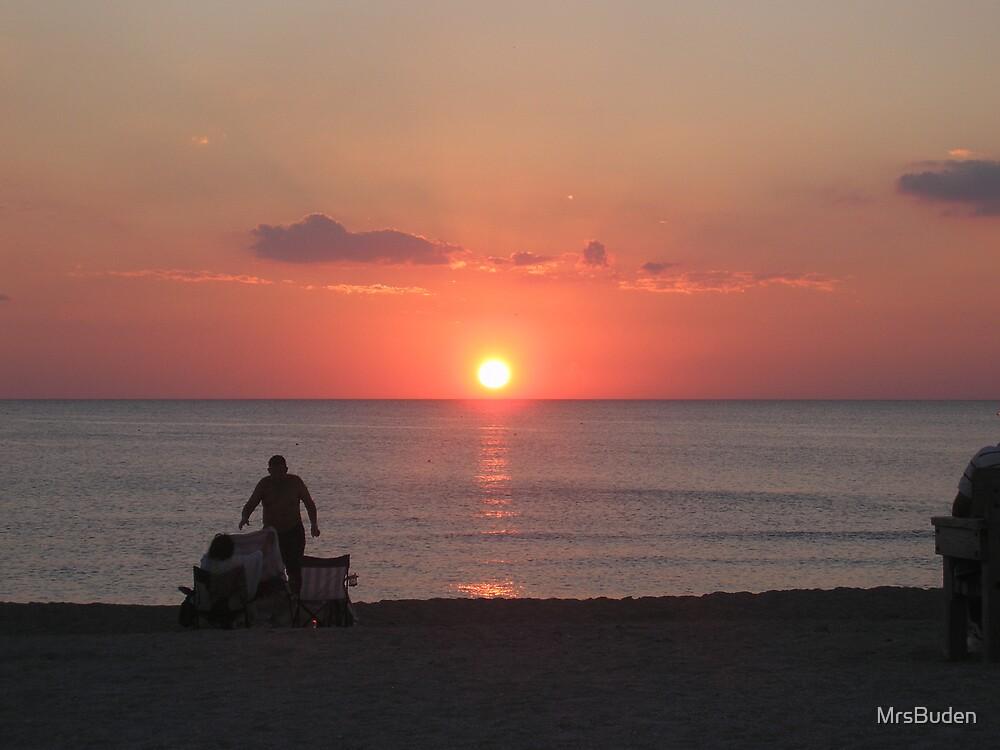 Sunset by MrsBuden