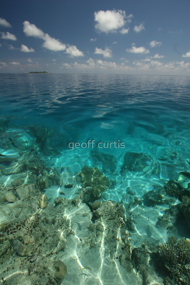 Maldives Seacape 2 by geoff curtis