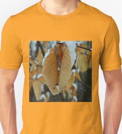 Snowy leaves T-Shirt